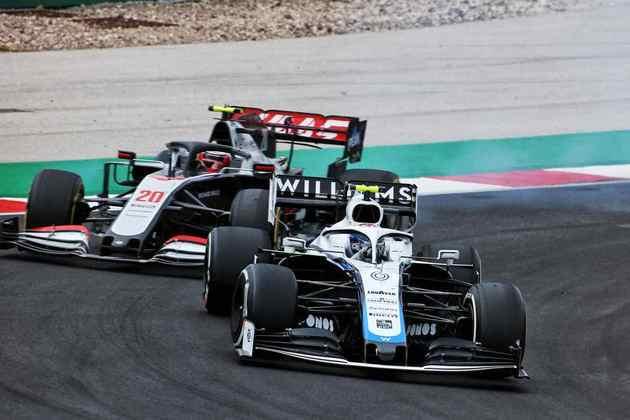 Nicholas Latifi continua sem marcar pontos na temporada de estreia na Fórmula 1