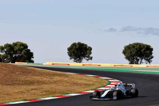 Nicholas Latifi fecha o grid de largada para o GP de Portugal, na última posição
