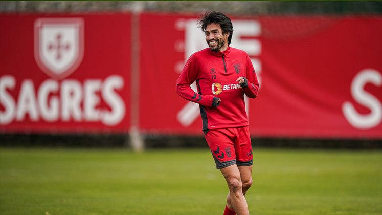 Nico Gaitán: meia – 33 anos – argentino – Fim de contrato com o Braga – Valor de mercado: 1,5 milhão de euros (cerca de R$ 9 milhões na cotação atual).