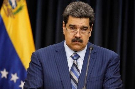 Kremlin nega que esteja defendendo Maduro