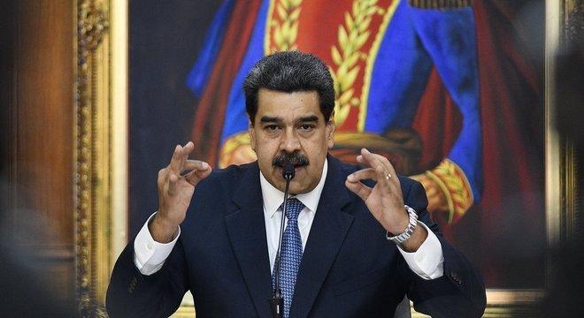 A declaração de Maduro causou surpresa uma vez ele sempre se posicionou contra o dólar