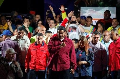 Maduro foi reeleito com 67,7% dos votos