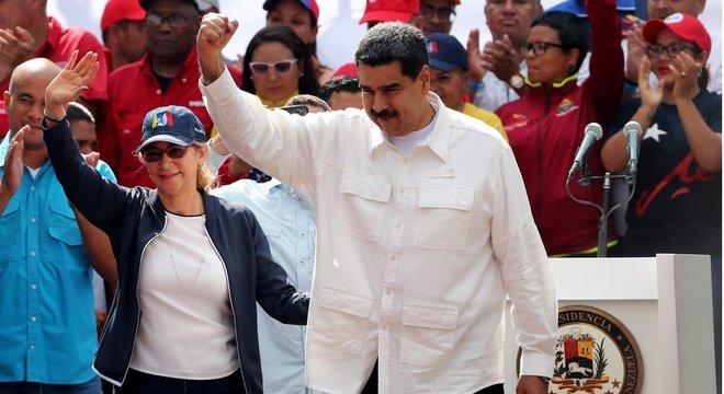 Para Guaidó, Maduro age como um ditador