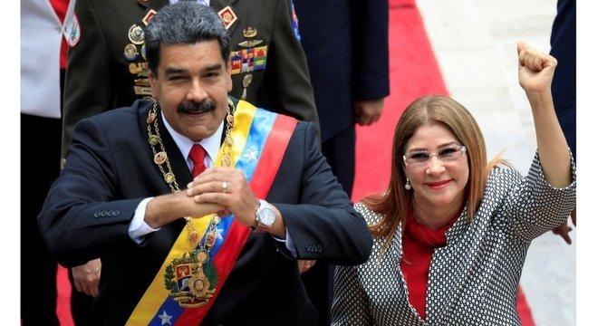 A reeleição de Maduro, em 2018, foi contestada dentro e fora da Venezuela; a oposição nao reconhece a vitória e alega uso da máquina estatal para conseguir votos