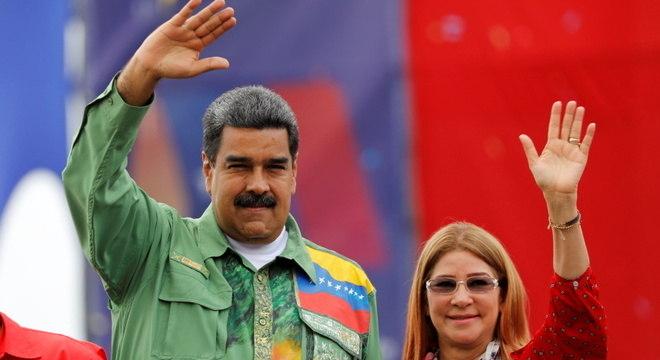 Nicolas Maduro, presidente da Venezuela, e sua esposa, Cilia Flores