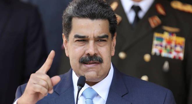 Maduro acusa os EUA de usar uma estratégia para asfixiar economicamente o país