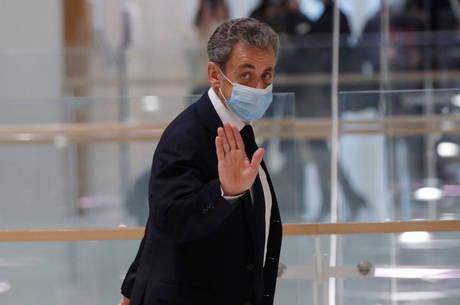 Julgamento de Sarkozy é adiado
