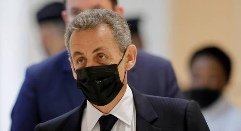 O ex-presidente francês Nicolas Sarkozy recebeu pena de um ano de prisão por financiamento ilegal de campanha
