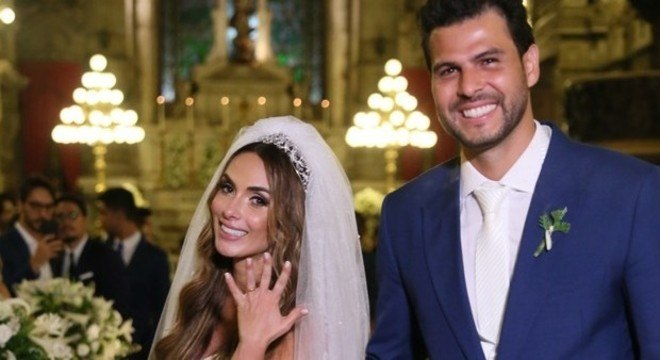 Nicole Bahls e Marcelo Bimbi se casaram nesta terça (4)