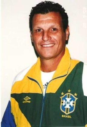 Nielsen - Goleiro da década de 1970. Destacou-se no Flamengo, mas tem passagem também pela seleção brasileira. Foi treinador na Copa de 1990, na Itália, quando trabalhou na preparação de Taffarel, Acácio e Zé Carlos