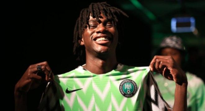 Camisa da Nigéria virou sensação entre os fãs de futebol e da Copa do Mundo 854ceb12a300f