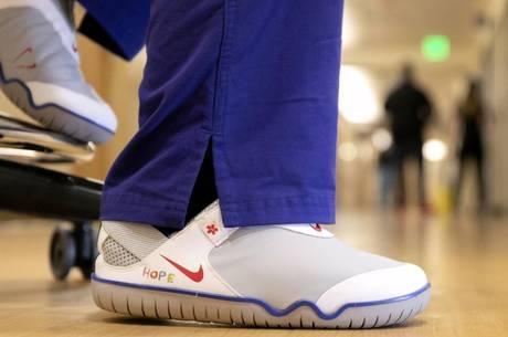 Nike doa tênis projetado para profissionais de saúde