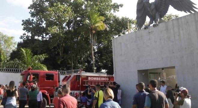 Ninho do Urubu pegou fogo nesta sexta-feira (8)