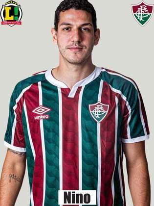 Nino - 4,5 - No lance do primeiro gol do Fortaleza, deixou Marcelo Benevenuto subir sozinho para cabecear e abrir o placar. No segundo, também não evitou a chegada do adversário por cima.