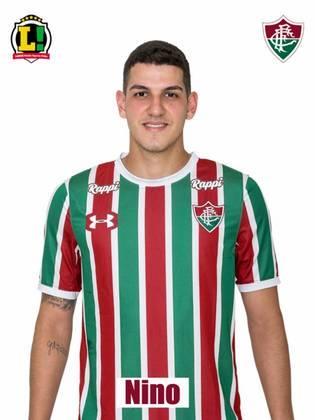 Nino - 5,5 - Chegou a errar uma saída de bola que gerou uma boa chance para o Braga, mas, em geral, mostrou a mesma solidez que vem o colocando entre os melhores zagueiros do país.