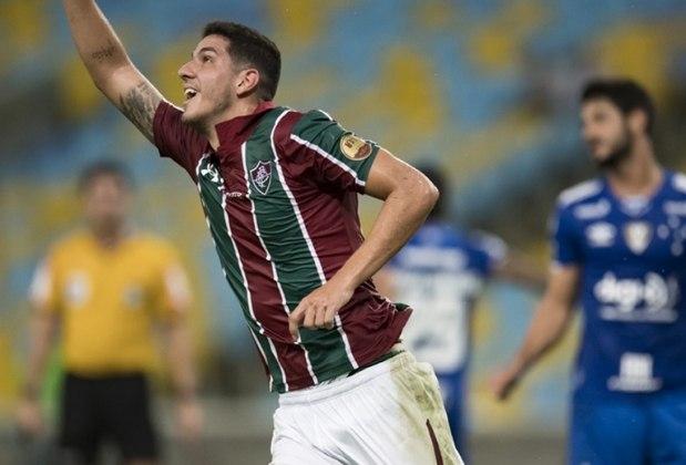 Nino, do Fluminense, é o zagueiro que mais bloqueou chutes