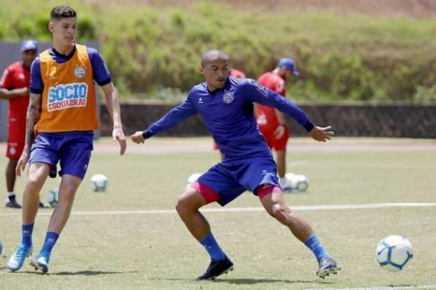 Nino Paraíba (Bahia - Lateral-direito) - 35 anos -  contrato até dezembro/2021