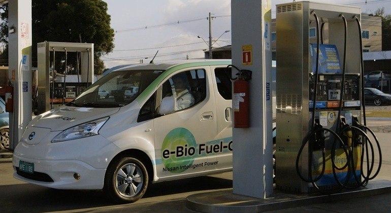 No futuro um dono de um carro como este irá utilizá-lo como os de hoje, ou seja, basta parar em um posto e abastecer com o bioetanol ou etanol