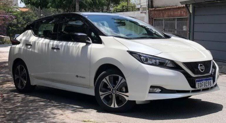 Nissan espera vender 500 unidades do modelo elétrico até março de 2022