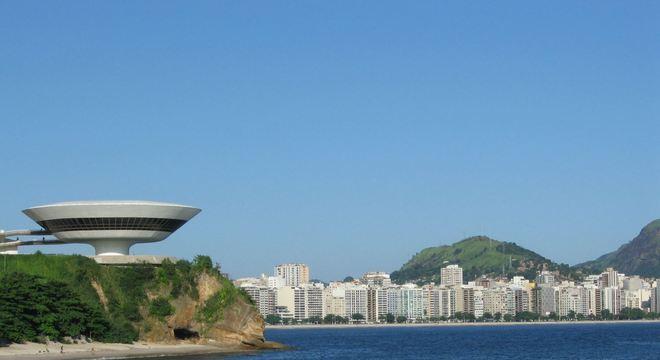 A cidade de Niterói, no Rio, anuncia testes em massa contra a covid-19