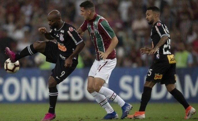 No ano anterior, mais uma vez o Corinthians apareceu no caminho do Fluminense em mata-matas e o resultado foi o mesmo dos últimos confrontos A equipe paulista se classificou para as semifinais da Copa Sul-Americana e deixou o Tricolor no meio do caminho.