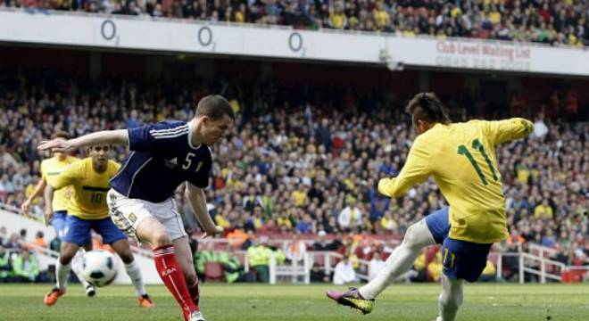 No ano de 2011, já com Neymar como destaque do time, o Brasil teve a seleção da Escócia como desafiante no Emirates Stadium e venceu por 2 a 0, com dois gols do, na época, jov