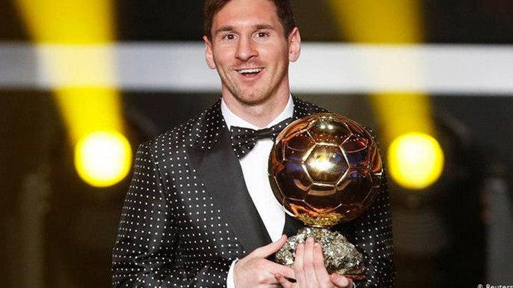 No ano de 2012, Lionel Messi coroou sua temporada com mais uma Bola de Ouro. O argentino venceu Cristiano Ronaldo e Andrés Iniesta.