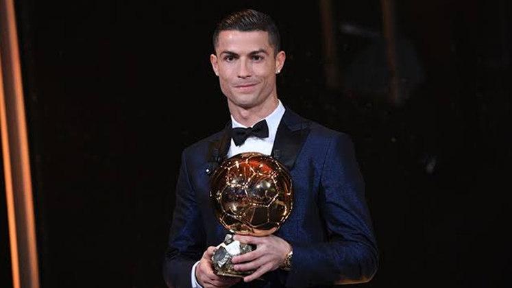 No ano de 2014, Cristiano Ronaldo levou a Bola de Ouro para casa. O português levou a melhor com ampla vantagem para Lionel Messi, vice, e Neuer, terceiro.