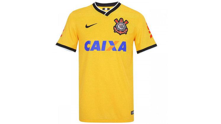 No ano de 2014, o Corinthians entrou no clima da Copa do Mundo disputada no Brasil e vestiu um uniforme 3 de amarelo.