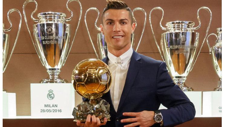 No ano de 2016, Cristiano Ronaldo venceu o prêmio ao desbancar Lionel Messi e Antoine Griezmann