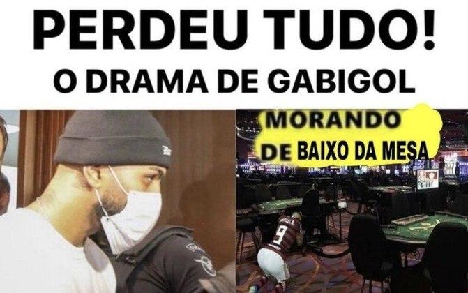 No auge da pandemia, atacante do Flamengo foi detido em cassino clandestino no último domingo (14). Fato gerou críticas, mas também foi prato cheio para montagens dos torcedores. Confira na galeria! (Por Humor Esportivo)