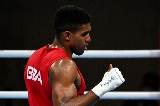 No boxe, Abner Teixeira está nas semifinais da categoria pesado (entre 81 e 91kg) e, com isso, já garantiu ao menos o bronze. A luta semifinal será na terça, contra o cubano Julio la Cruz.
