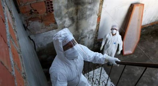No Brasil, número de mortos cresce 6,5% ao dia. Na Itália, que já foi o epicentro da pandemia, a taxa é de 3,1%