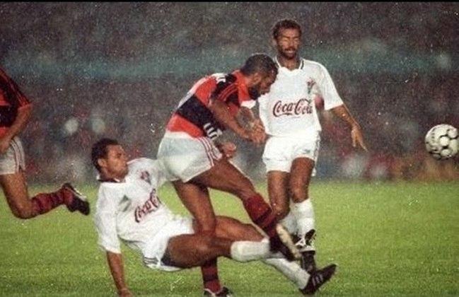 No Carioca de 1991, o Fluminense venceu a Taça Guanabara e o Flamengo, a Taça Rio. Na final do Estadual, empate em 1 a 1 no jogo de ida e vitória rubro-negra por 4 a 2 - de virada - na volta. Assim, o Fla voltava a se sagrar campeão carioca após cinco anos. Em 1995, Renato Gaúcho deu o título ao Flu, com o famoso gol de barriga