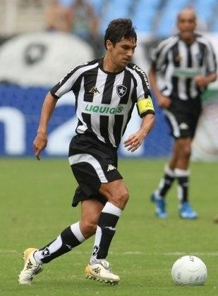 No Carioca de 2008, o Botafogo deu um show ao vencer o Flamengo por 3 a 0, no Maracanã, com gols de Wellington Paulista, Alessandro e Lucio Flavio