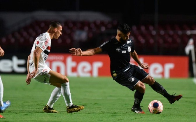 No confronto São Paulo x Santos a vantagem é do Tricolor, que venceu o rival 134 vezes, contra 104 do Peixe, além de 73 empates.