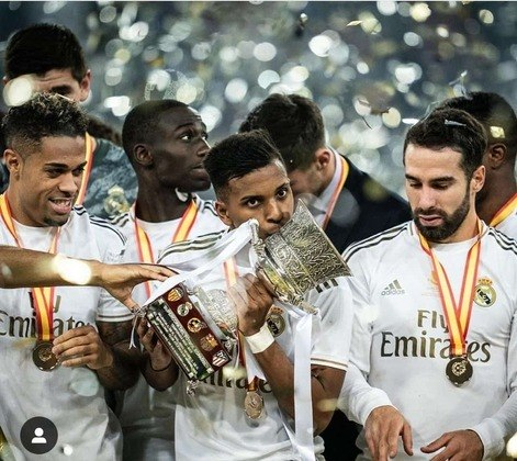 No dia 12 de janeiro conquistou o seu primeiro título como profissional. O atacante entrou aos 15 minutos do segundo tempo do empate em 0 a 0 contra o Atlético de Madrid, pela Supercopa da Espanha. Nos pênaltis, o Real Madrid conquistou o campeonato, o primeiro da galeria do Raio.