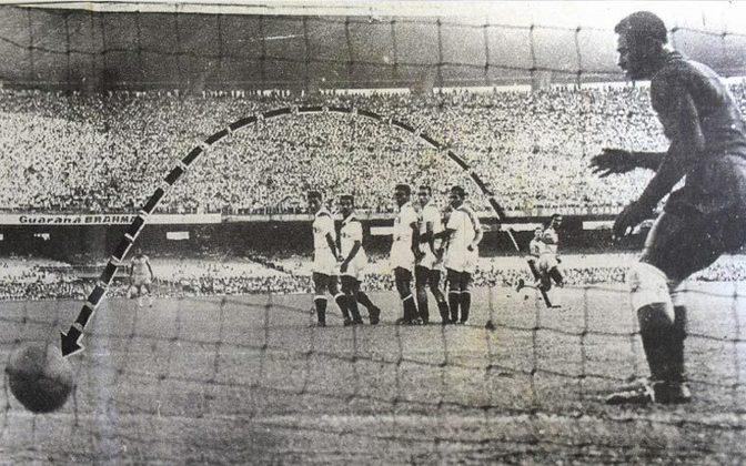 No dia 21 de abril de 1957, Didi abriu caminho para a Seleção Brasileira sonhar com o inédito título mundial. Com sua letal