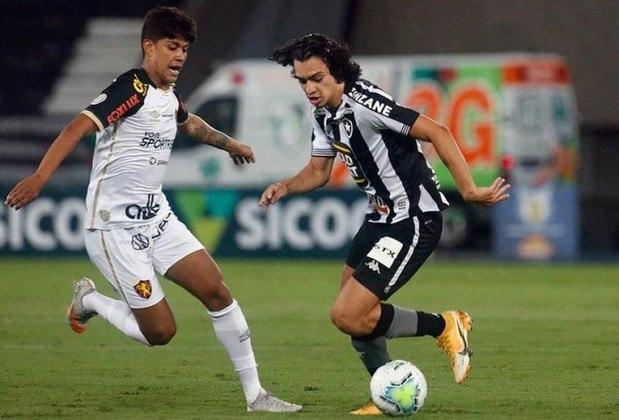 No estádio Nilton Santos, o Botafogo perdeu para o Sport por 1 a 0 e está oficialmente rebaixado para a segunda divisão do Campeonato Brasileiro. O gol da partida foi marcado pelo zagueiro Iago Maidana, após um pênalti mal marcado pelo árbitro. Veja as notas dos jogadores do Glorioso (Por Felipe Melo - felipeeduardo@lancenet.com.br