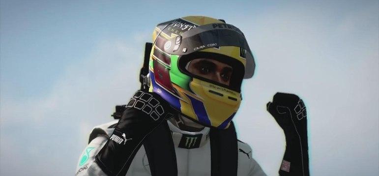 No F-1 2013, Lewis Hamilton apareceu na Mercedes pela primeira vez.