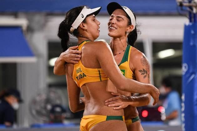 No feminino, Ágatha e Duda são fortes candidatas e não jogarão contra a outra dupla brasileira antes das semifinais, o que abre a possibilidade de duas medalhas na chave, sabendo que uma delas certamente seria de bronze.