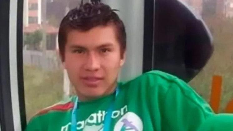 No final de maio, Deibert Guzmán, que atuava pelo Universitário de Beni, da segunda divisão boliviana, morreu aos 25 anos por conta do novo coronavírus. O jogador foi o primeiro caso confirmado de falecimento pela doença no futebol profissional.