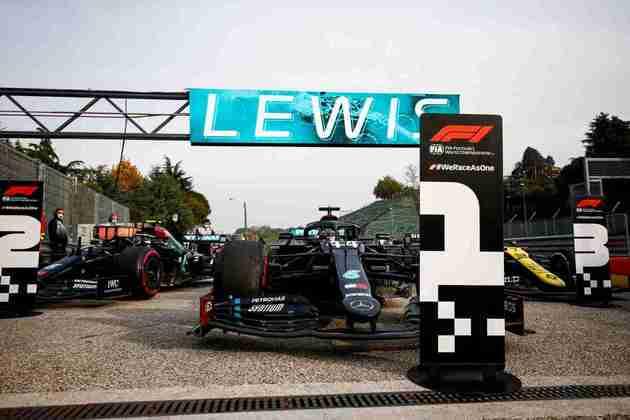 No GP da Emília-Romanha, assegurou o sétimo título de construtores da Mercedes.