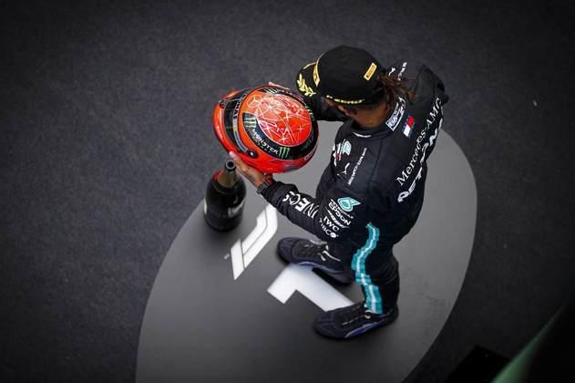 No GP de Eifel, igualou o número de vitórias de Michael Schumacher.