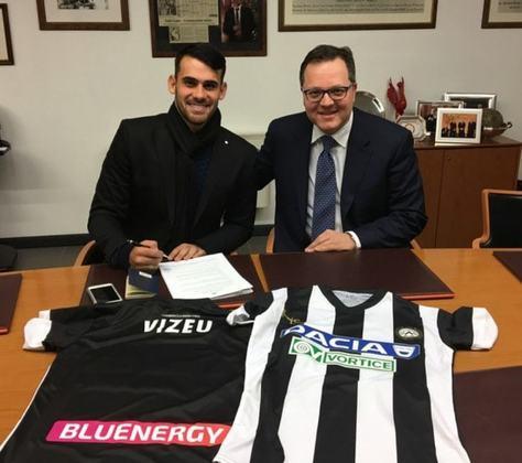 No início de 2018, o atacante foi negociado com a Udinese, da Itália. Jogou no Flamengo durante o primeiro semestre daquele ano e se transferiu para a Europa depois da Copa do Mundo.