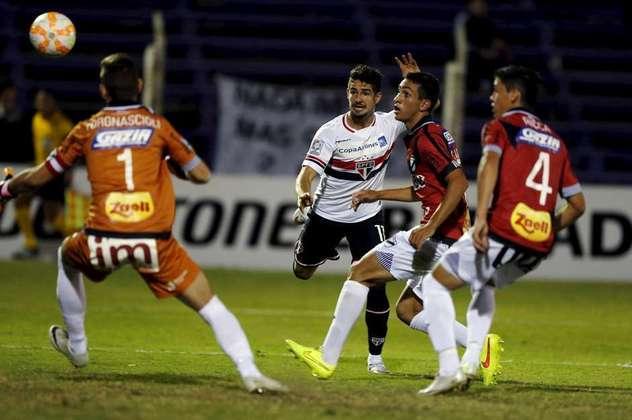 No jogo da volta daquela mesma edição, o São Paulo venceu o Danúbio, do Uruguai, por 2 a 1, fora de casa. Os gols da equipe paulista foram marcados por Centurión e Pato, enquanto o gol dos uruguaios foi marcado por Leandro Sosa.