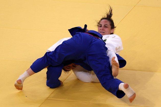 No judô, Maria Portela deu adeus aos Jogos Olímpicos de Tóquio. A brasileira foi eliminada após ser derrotada pela russa Madina Taimazova, nas oitavas de final da categoria até 70kg. A judoca foi desclassificada após receber o terceiro shido, com quase 11 minutos de golden score (o mais longo da Olimpíada de Tóquio). A brasileira teve um wazari não computado pelo juiz, que poderia ter definido a sua vitória.