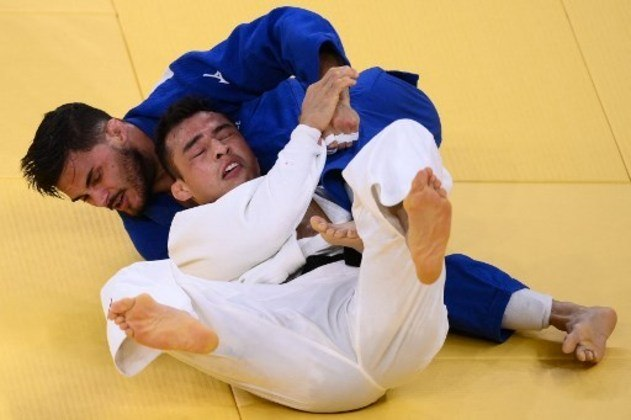 No judô na categoria até 73kg, o brasileiro Eduardo Katsuhiro foi eliminado da Olimpíada de Tóquio. O atleta foi derrotado pelo francês Guillaume Chaine após sofrer um Ippon com 1min02s de combate.