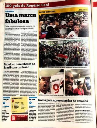 No mesmo dia, Luis Fabiano desembarcou no aeroporto e foi cercado por são-paulino que festejam o retorno de Fabuloso ao Tricolor.