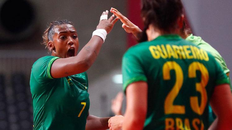 No mesmo horário, a seleção feminina de handebol encara a Espanha, pela fase de grupos. Até aqui, o Brasil tem uma vitória e um empate.